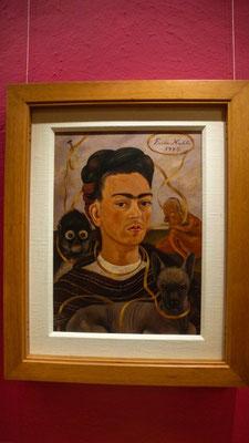 mit vielen Bildern von Frida Kahlo und Diego Rivera