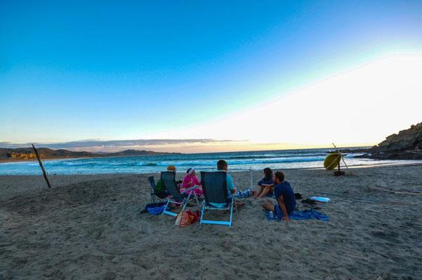 """Gemütliches Beisammensein am Strand """"Los Cerritos"""""""