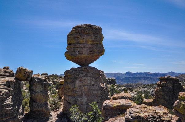Grand Balanced Rock