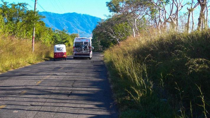 Jetzt werden wir schon von Tuktuk's überholt