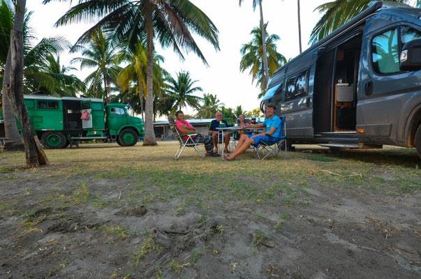 Mit Hilu und Sigo an der Playa Escargera in El Salvador