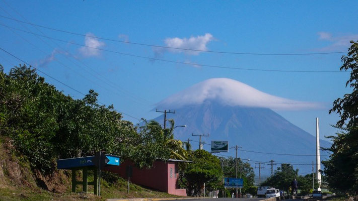 Vulkan mit Häubchen