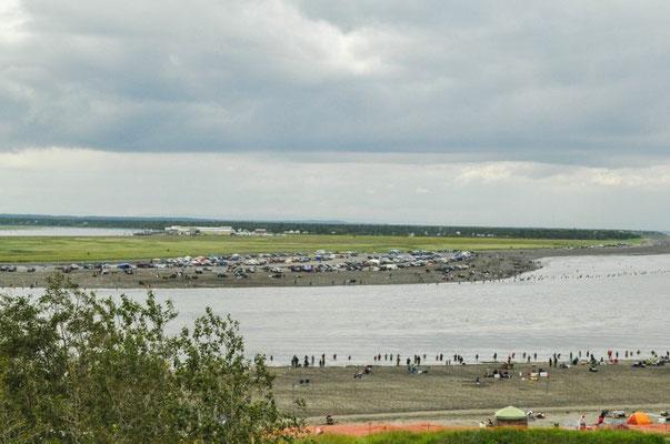 Hunderte von Fischern in Kenai