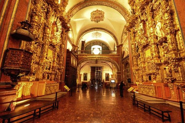 Iglesia San Francisco Javier innen