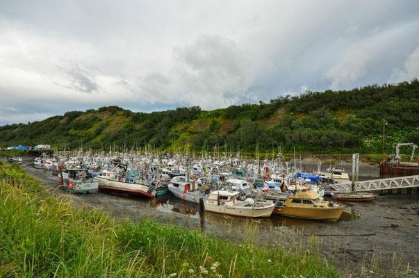 Fischerboote bei Ebbe