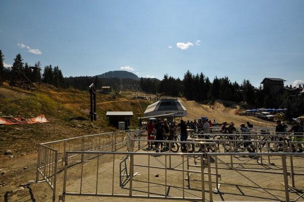 Whistler: Mit dem Sessellift und dem Bike rauf auf den Berg...