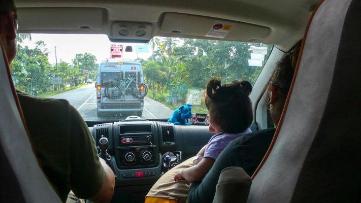 Mit Joana und Anna im Auto...