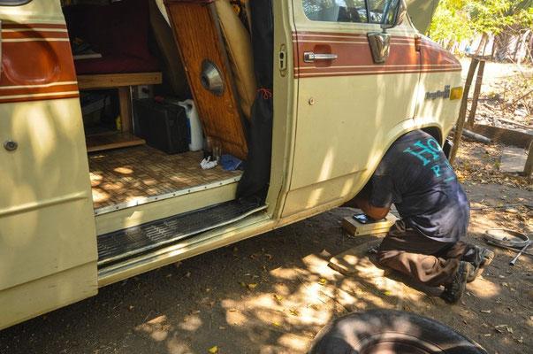 Der Chevy braucht eine Reparatur