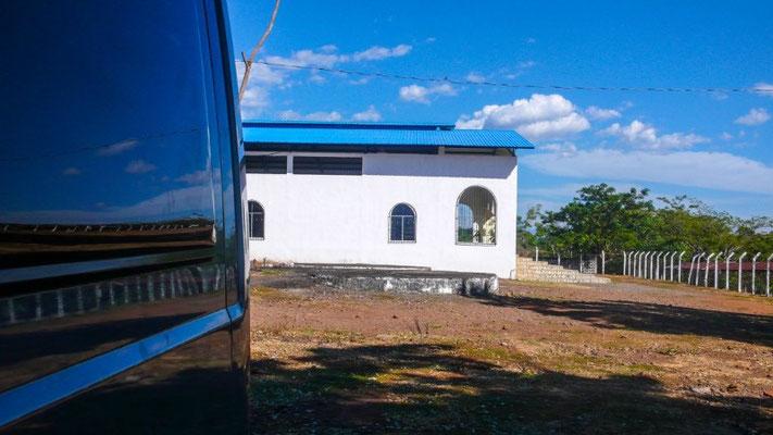 Bei der Kirche in Taxisco