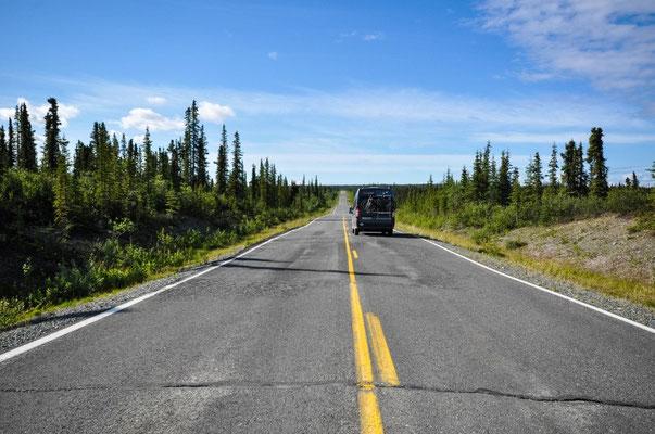 Abseits des Glenn Hwy. Richtung Lake Louise, Alaska nicht Kanada