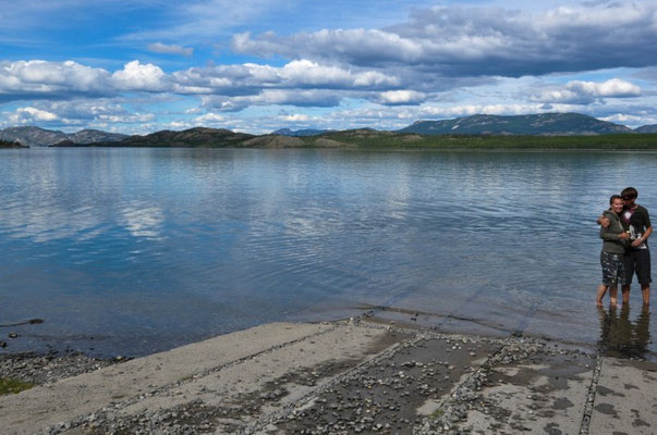 Am Lake Laberge