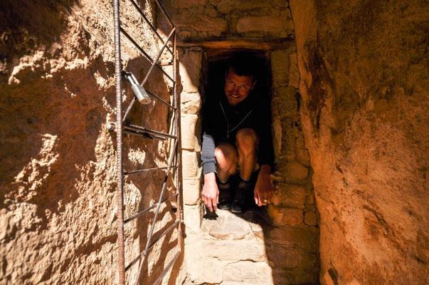 ...und durch das Tunnel muss man kriechen