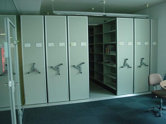 Verfahrbare Regale Büro mit Kurbel Handschub Drehstern
