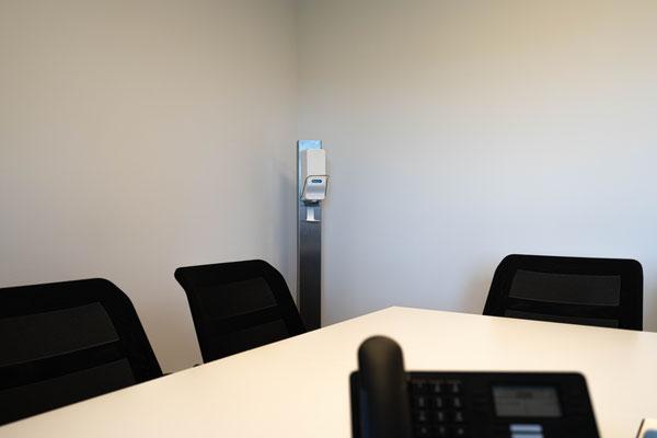 Desinfektionsmittelspender Ständer für Büro Desinfektionsständer - desistand.at - lagerconsulting.at