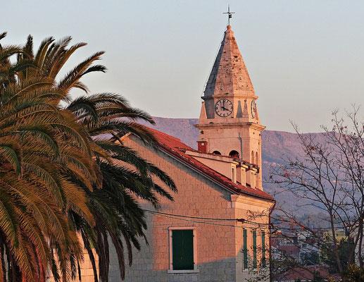 Der Kirchturm von Stobrec