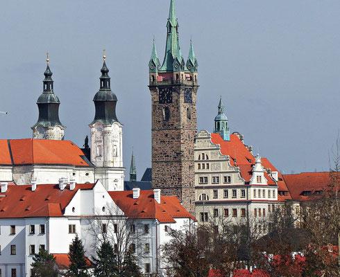 Schwarzer Turm und Jesuitenkirche