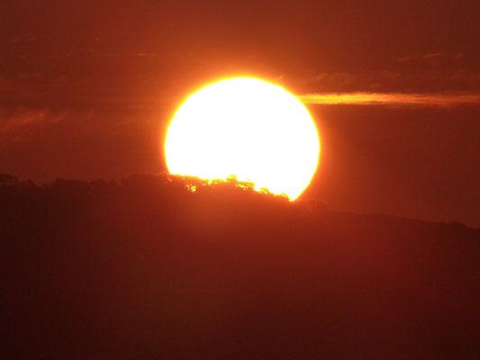 Die Sonne geht über dem Berg Marian auf