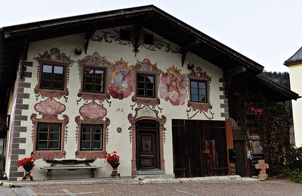 Lüftelmalerei in Vils in Tirol