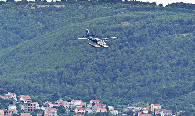 Wasserflugzeug über Chiovo
