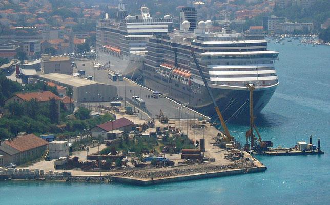 Im Hafen Gruz