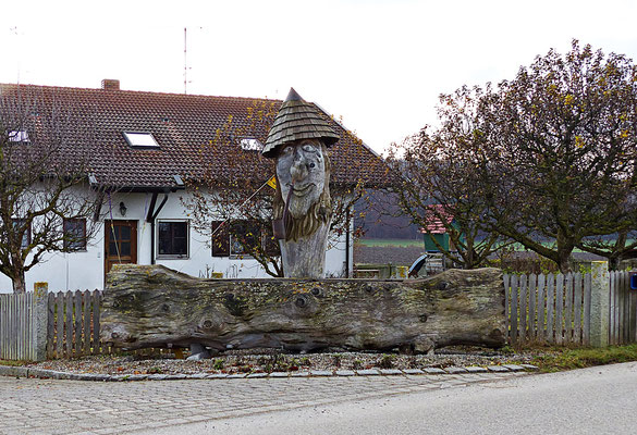 Holzschnitzkunst beim Wörthsee