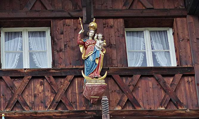 Holzschnitzkunst