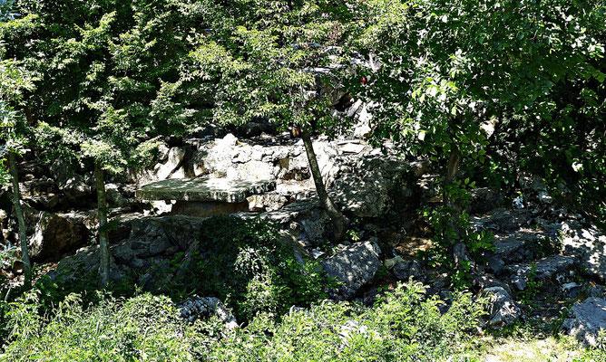 Steintisch an der Cetina