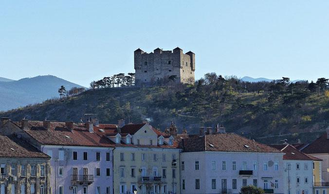 Die Burg der roten Zora