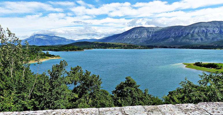 Der Perućko Jezero