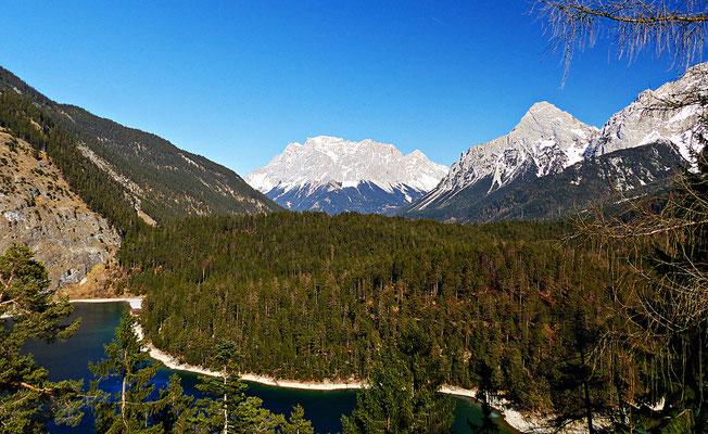 Die Zugspitze und der Blindsee