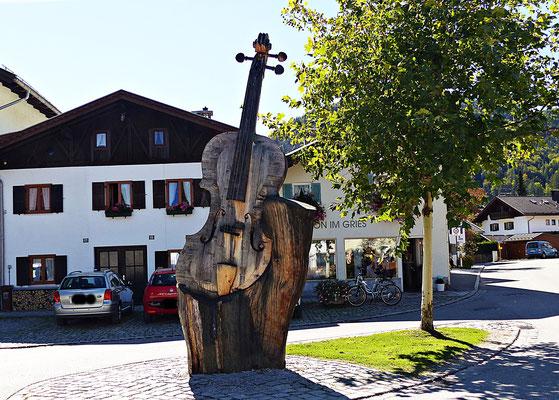 Holzschitzerei in Mittenwald