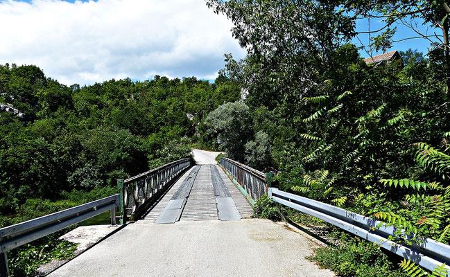 Alte Brücke über die Cetina