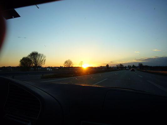 Sonnenuntergang bei der Heimfahrt