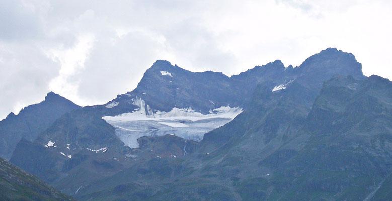 Blick auf den schmutzigen Gletscher