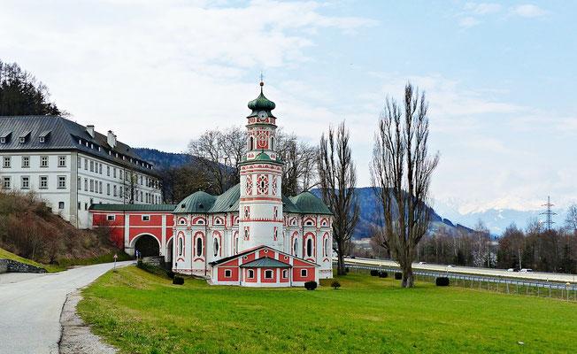 """Kloster und Kirche """"St. Karl"""" in Volders, Tirol"""