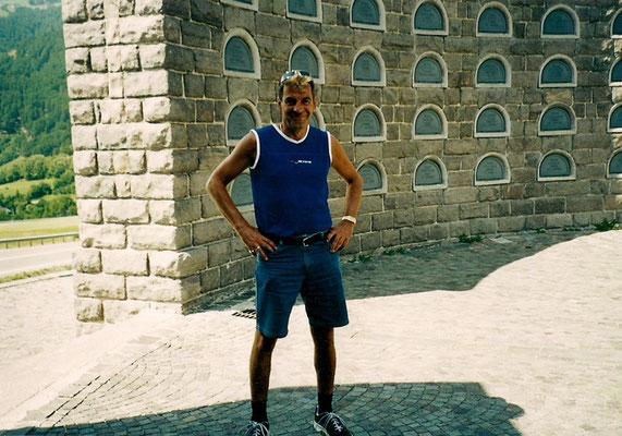 Beim Kriegerdenkmal vor 10 Jahren