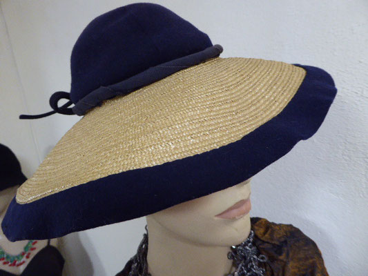 Authentic Florentine brim on this hat is surmounted by a dark blue velvet crown with blue velvet banding at the edge of the crown. Small size. €330
