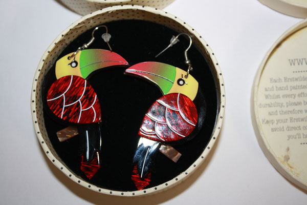 Terrence Toucan Black earrings, 2x available, no tag. €55