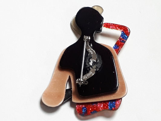 LEA STEIN - female saxophone player brooch, back view €220