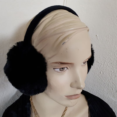 ear muffs, adjustable, €29