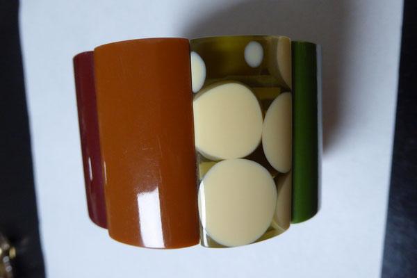 Marion Godart bangle, Paris, contemp. resin. Threaded on elastic. €85