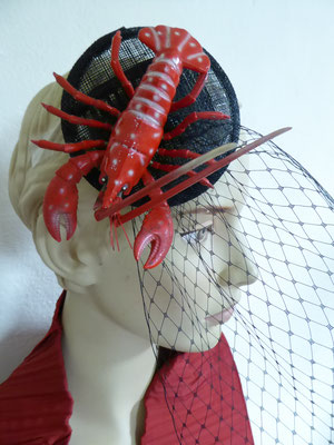 SOLD Black sinamay base with black tulle and a lobster   €75