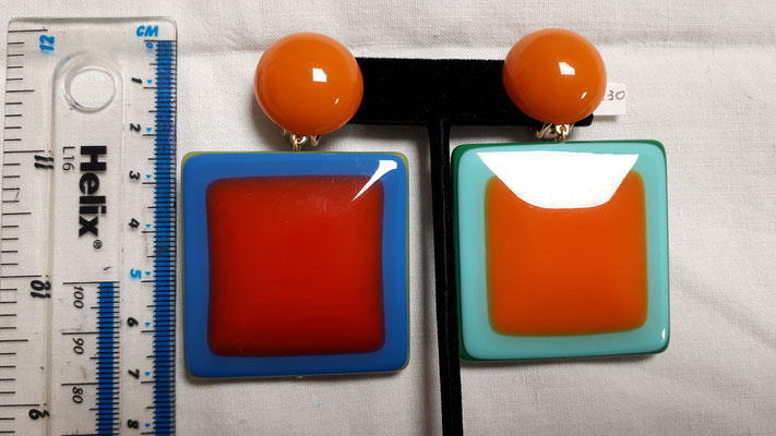 HUGE clellulose acetate clip earrings, turquoise and orange on one side, blue and orange on the other. Wonderful... €140
