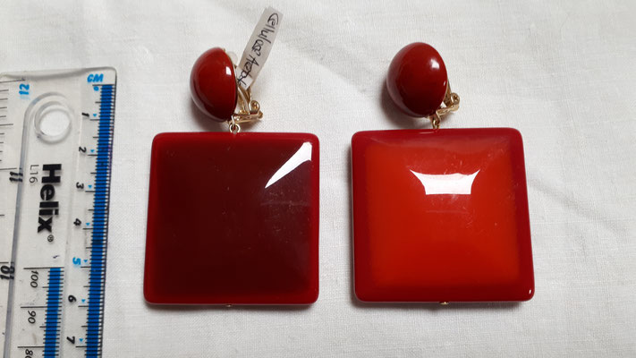 HUGE square cellulose acetate clip earrings, dark red on one side, orange on the other. Stunning colours. €140