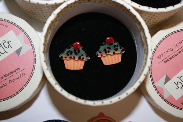 Kimberley's cupcake earrings, 3x, one tag only. €45