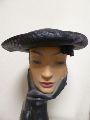 FORTIES - Black straw saucer style with lovely bow under the brim. €65