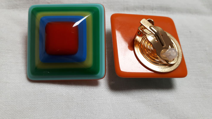 Square, domed celulose acetate clip earrings....turquoise, orange, green, yellow. €78