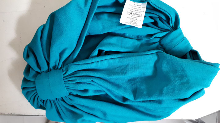 In several colours, see photos - 80% cotton and 20% elasthan...keeps the shape better. €33