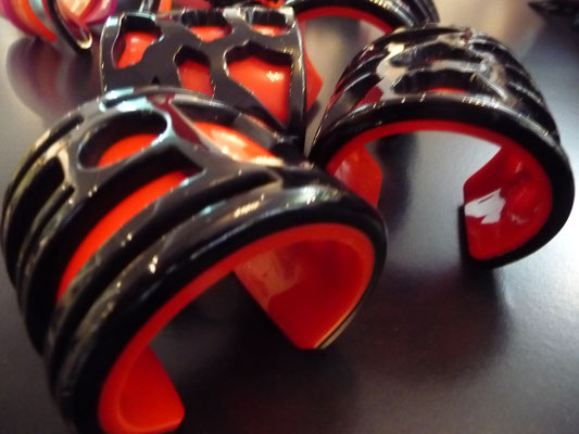Oriental inspired cuff in red and black €140