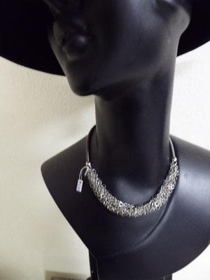 Kette aus Klavierdraht. Piano wire necklace. €98